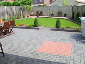 Uw tuin laten aanleggen kijk eens naar deze voorbeeld van tuinen - Doen redelijk oprit grind ...